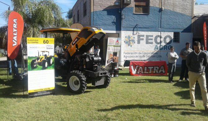Valtra presentó tractores en Fecoagro
